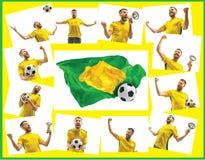 Brasilianischer Fan, der auf weißem Hintergrund feiert Der junge Mann in der Fußballfußballuniform mit dem Ball, der am Weiß steh Stockfoto
