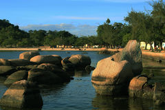 Brasilianischer Insel-Strand lizenzfreies stockbild