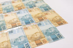 Brasilianisches Geld mit Leerstelle Rechnungen riefen Real, verschiedene Werte an Stockbild