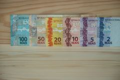 Brasilianisches Geld/Reais, verschiedene Bezeichnung stockfoto