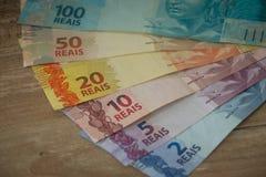 Brasilianisches Geld/Reais, verschiedene Bezeichnung lizenzfreies stockfoto