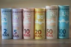 Brasilianisches Geld/verschiedene Bezeichnung stockbilder