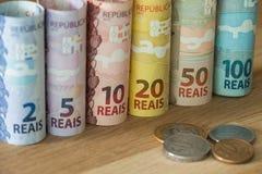 Brasilianisches Geld/verschiedene Bezeichnung lizenzfreie stockbilder