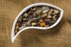 Brasiliansk traditionell mat kallade feijao de capataz Royaltyfria Bilder