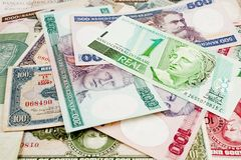 Brasilianska gamla pengar royaltyfria foton