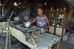 Brasilianskt armod för en ung flicka royaltyfria foton