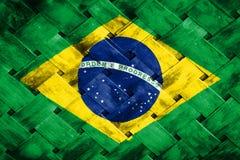 Brasilien-Flagge, Flagge auf dem Holz Stockfotos