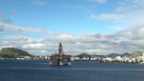 Brasilien - olje- plattform på den Guanabara fjärden, Rio De Janeiro stock video