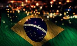 Brasilien-Staatsflagge-Licht-Nacht-Bokeh-Zusammenfassungs-Hintergrund Stockfotografie