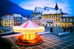 Brasov, Crhstimas-markt in hoofdvierkant in Transsylvanië Royalty-vrije Stock Fotografie