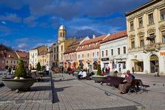 Brasov - il centro urbano fotografia stock libera da diritti