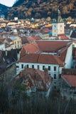 Brasov, la Transilvania, Romania - Novemrer 19, 2016: il quadrato centrale di vecchia città Brasov transylvania Vista da Immagini Stock Libere da Diritti
