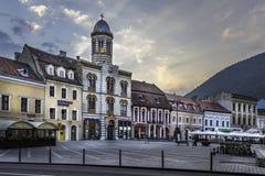 Brasov, la Transylvanie, Roumanie - 28 juillet 2015 : La place du Conseil de Brasov est le centre historique de la ville Photographie stock
