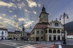 Brasov, la Transylvanie, Roumanie - 28 juillet 2015 : La place du Conseil de Brasov est le centre historique de la ville Images libres de droits