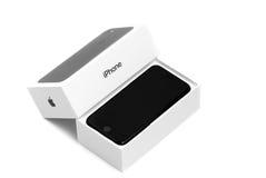 BRASOV, ROMÊNIA - 26 de novembro de 2016: iPhone 7 novo na caixa original Foto de Stock Royalty Free