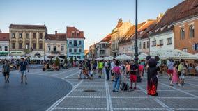 Brasov, Romania - 10 agosto 2017: Il quadrato del Consiglio di Brasov (pi immagini stock libere da diritti