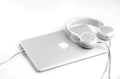 BRASOV, ROMANIA - JUNE 2016: Apple MacBook Air 11 Royalty Free Stock Images