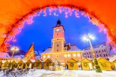 Brasov, Rumania - mercado de la Navidad en Transilvania foto de archivo libre de regalías