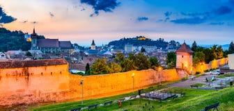 Brasov, Rumania, Transilvania - centro de la ciudad medieval Fotografía de archivo libre de regalías