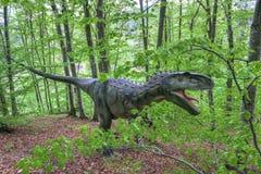 BRASOV RUMUNIA, CZERWIEC, - 2015: Sklejeni dinosaury przy Rasnov Dino zdjęcia royalty free