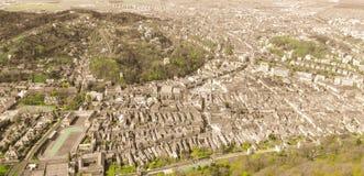 Brasov som ses från över Arkivfoto