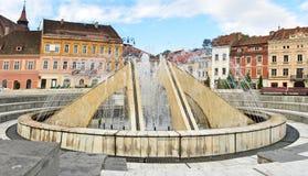 Brasov springbrunn Arkivfoto