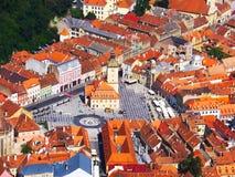 Brasov-Stadtansicht von oben lizenzfreie stockbilder