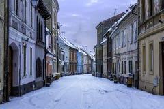Brasov, Transylvania Rumunia, Grudzień, - 28, 2014: Widok jeden główne ulicy w w centrum Brasov Fotografia Royalty Free