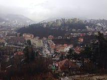 Brasov, vieille ville en hiver Photographie stock libre de droits