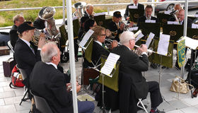 Brass band al festival del canale di Leeds Liverpool a Burnley Lancashire Immagine Stock