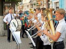Brass band degli allievi e del loro insegnante Immagine Stock Libera da Diritti