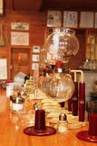 Brasseur vide de café de siphon de Yama photographie stock libre de droits