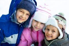 brat siostrę śnieżne szczęśliwe Zdjęcie Royalty Free