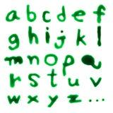 Bratenfett Buchstaben A-Z (englische Kleinschreibung) mit grünem Blut auf whi lizenzfreie abbildung