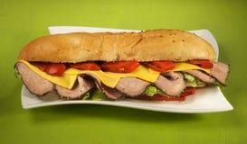 Bratenrindfleischsandwich mit geräuchertem rotem Pfeffer Lizenzfreies Stockbild