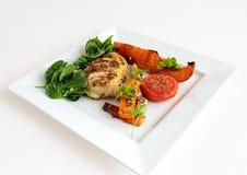 Brathähnchen mit gebratenem Gemüse Lizenzfreies Stockbild