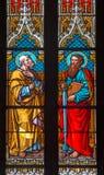 Bratislava - Apostel Peter en Paul op ruit in st. Martin kathedraal. stock foto's