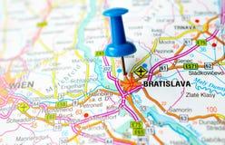 Bratislava auf Karte lizenzfreies stockbild