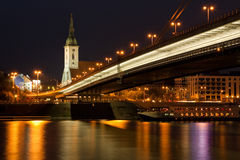 Bratislava bij nacht Stock Foto's