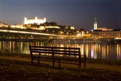 Bratislava - castelo e catedral imagens de stock