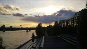Bratislava, centro commerciale di Eurovea, ponte del UFO, castello Fotografia Stock Libera da Diritti
