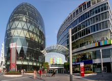 Bratislava - centro Eurovea di affari e di acquisto immagini stock libere da diritti