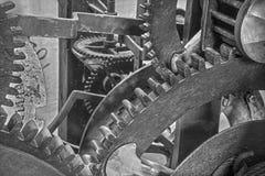 Bratislava - el detalle del viejo mecanismo del torre-reloj en la catedral de St Martins Foto de archivo