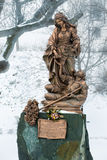 Bratislava, Eslovaquia - 24 de enero de 2016: Estatua de St Elizabe Imagen de archivo libre de regalías