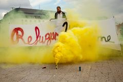 Bratislava, Eslovaquia - 27 de mayo de 2015 - hacer frente a la recepción del refugiado foto de archivo libre de regalías