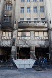 Bratislava, Eslovaquia, 29na En noviembre de 2018: El accidente de fuego destruyó el restaurante de lujo - mercado de la Navidad foto de archivo