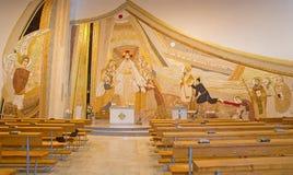 Bratislava - mosaiken (150 m2) med den återuppväckte Kristus bland apostlarna i mitt i den helgonSebastian domkyrkan Royaltyfria Foton