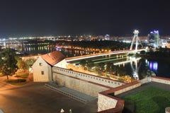 Bratislava natt Fotografering för Bildbyråer