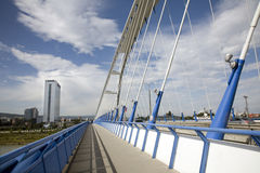 Bratislava - puente moderno de Apolo Fotos de archivo