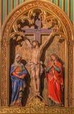 Bratislava - scena di crocifissione. Sculture scolpite nella cattedrale di St Martin. Immagine Stock